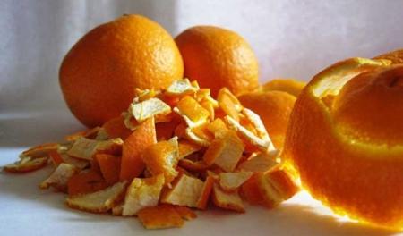 La corteza seca de naranja amarga de Sevilla ayuda con la acidez de estómago