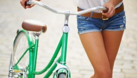 EL zumo de pomelo y el ejercicio diario ayudan a la buena circulación de las piernas.