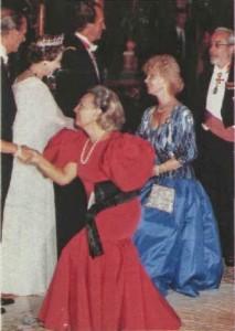 duquesa de alba y reina Isabel
