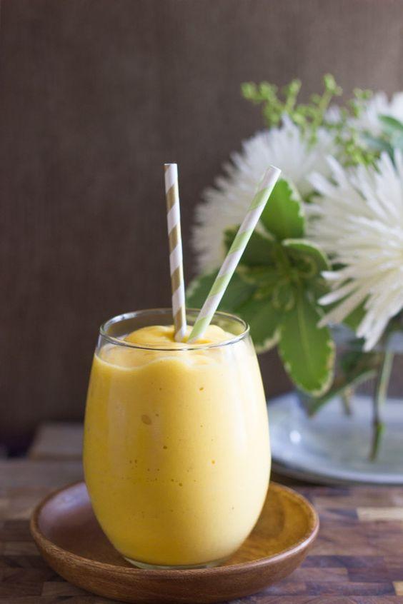 Smoothie  de pomelo blanco, mango y plátano