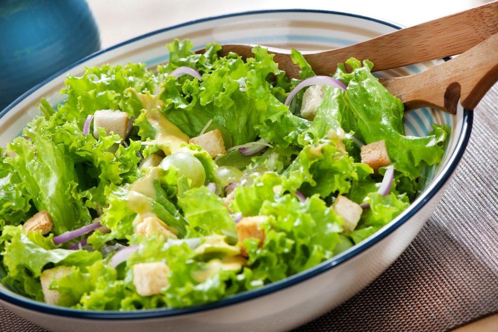 ensalada de pavo con salsa agria ensaladas verano