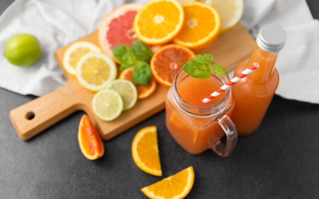 zumo de pomelo y naranja nutritivo